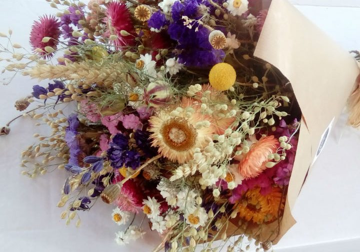 dried-flower-bouquet